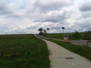 Op weg naar de Vrakelbergerweg: afdalen van de Midweg